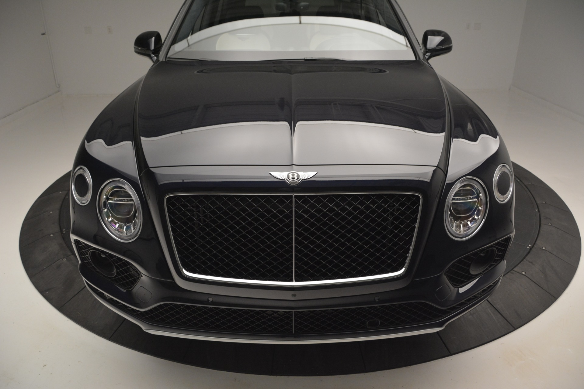 New 2019 Bentley Bentayga V8 For Sale In Greenwich, CT 2546_p13