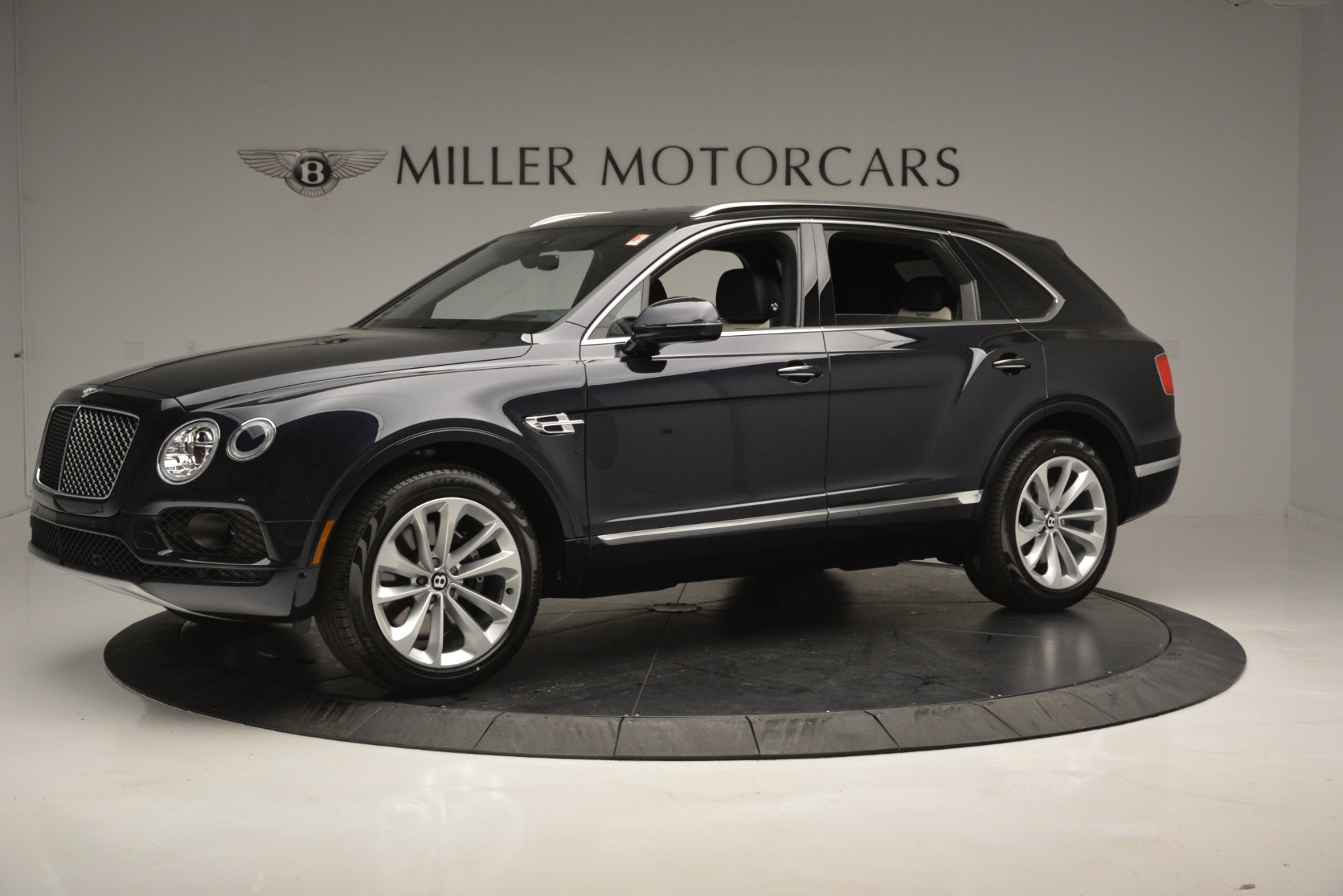 New 2019 Bentley Bentayga V8 For Sale In Greenwich, CT 2546_p2