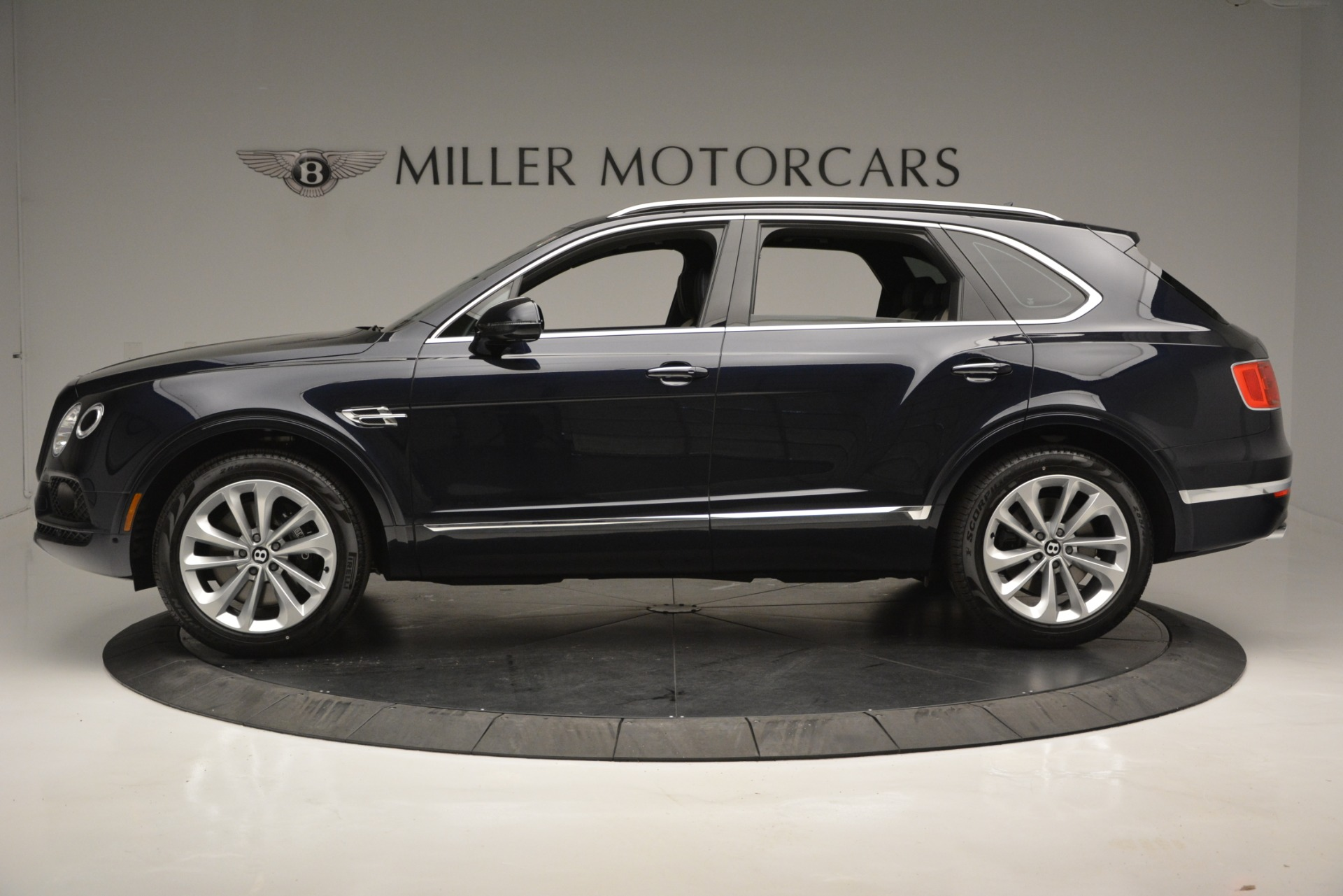 New 2019 Bentley Bentayga V8 For Sale In Greenwich, CT 2546_p3