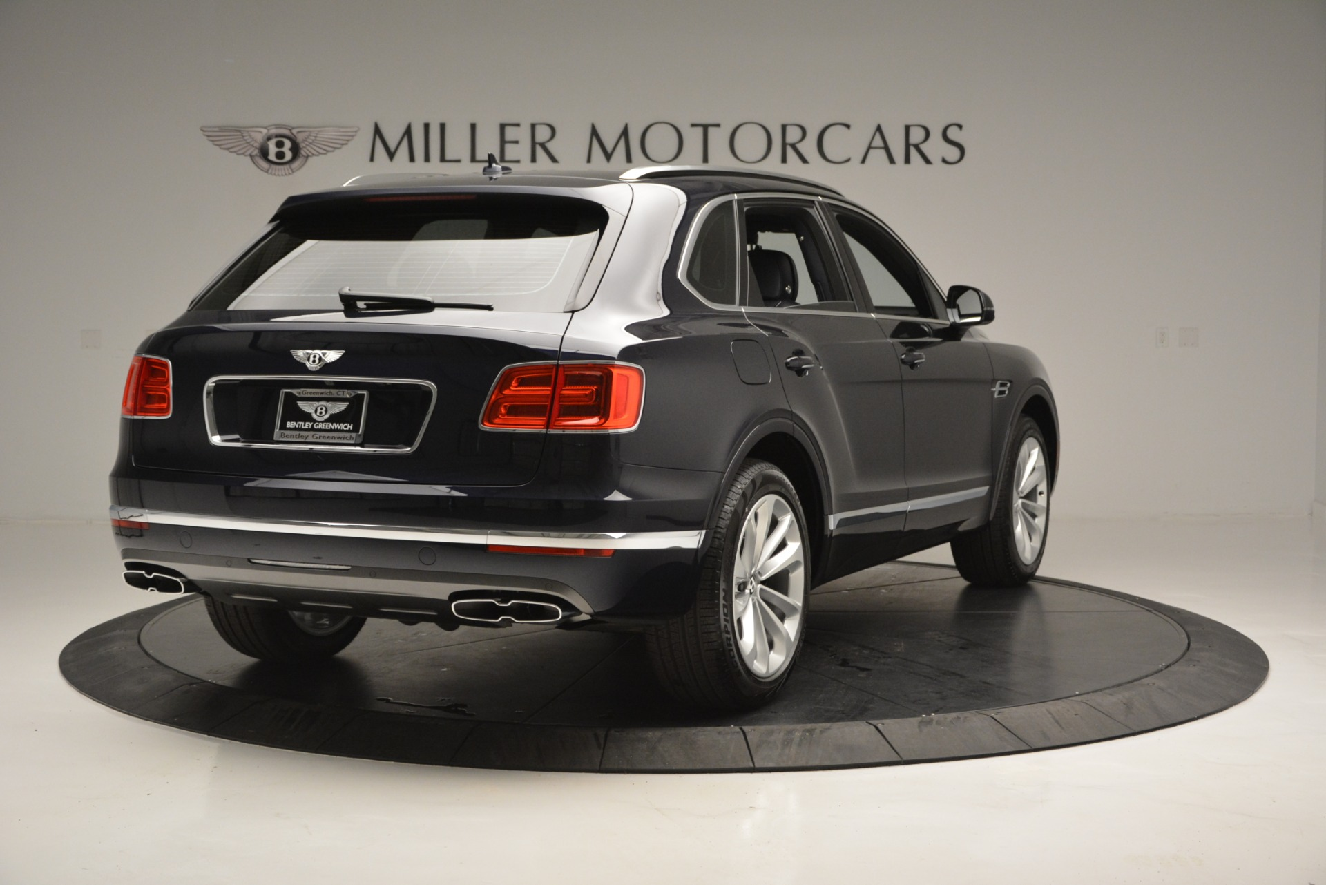 New 2019 Bentley Bentayga V8 For Sale In Greenwich, CT 2546_p7