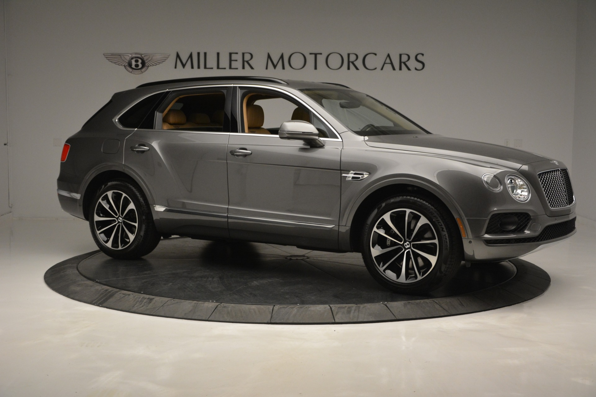 New 2019 Bentley Bentayga V8 For Sale In Greenwich, CT 2547_p10