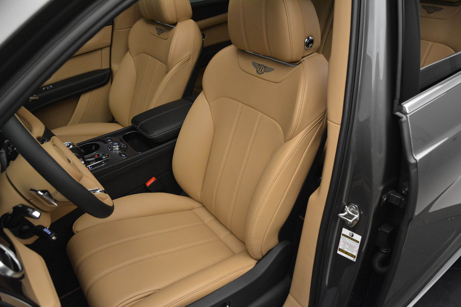 New 2019 Bentley Bentayga V8 For Sale In Greenwich, CT 2547_p19