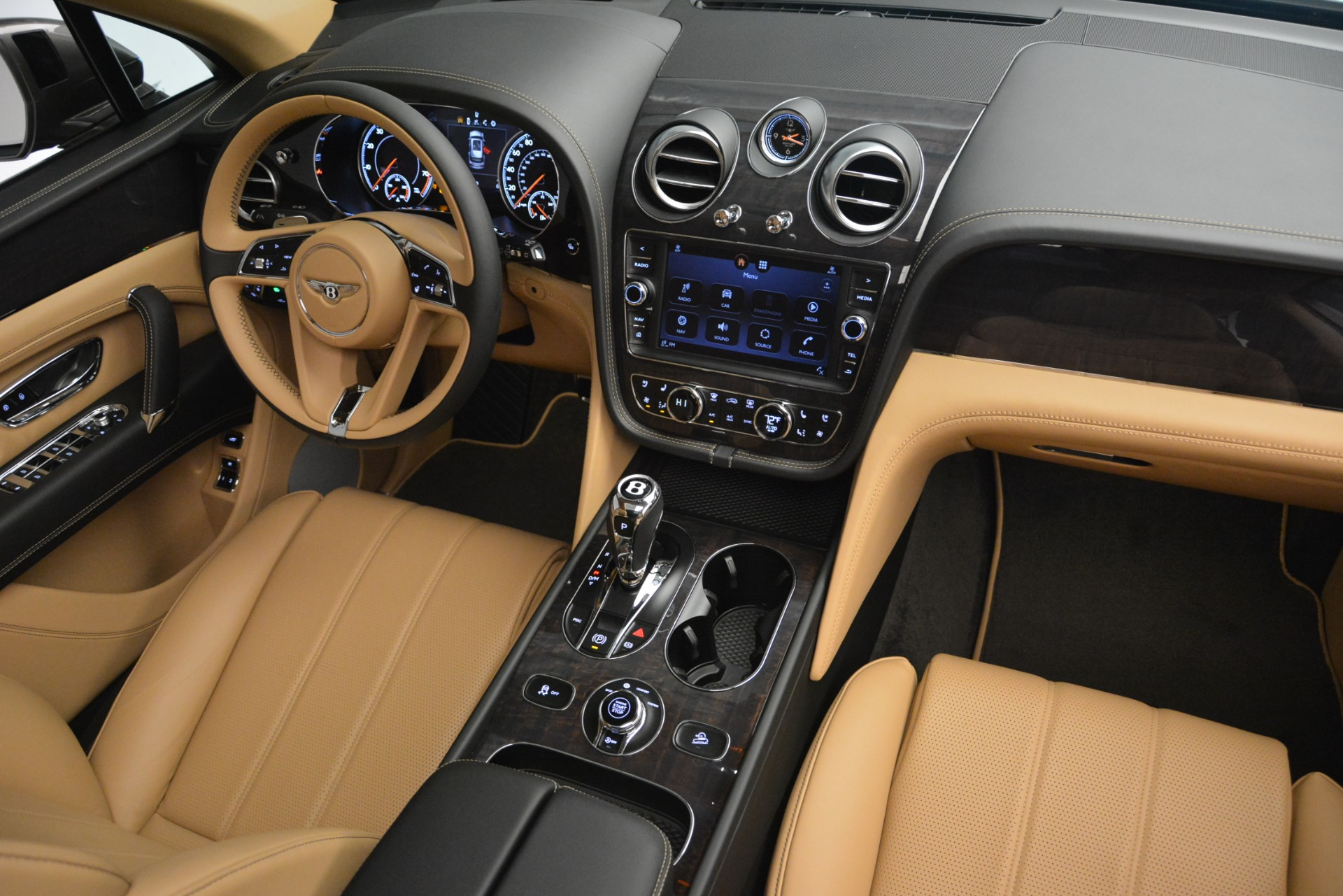 New 2019 Bentley Bentayga V8 For Sale In Greenwich, CT 2547_p31