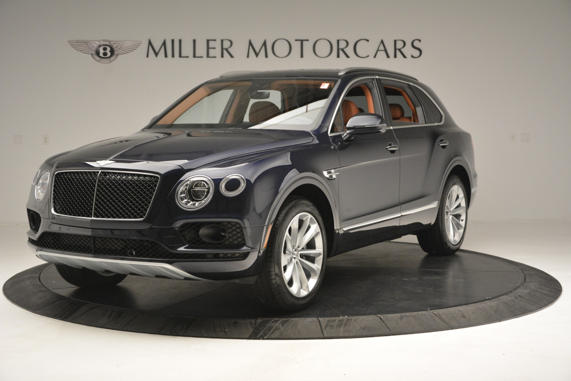 New 2019 Bentley Bentayga V8 For Sale In Greenwich, CT 2548_main