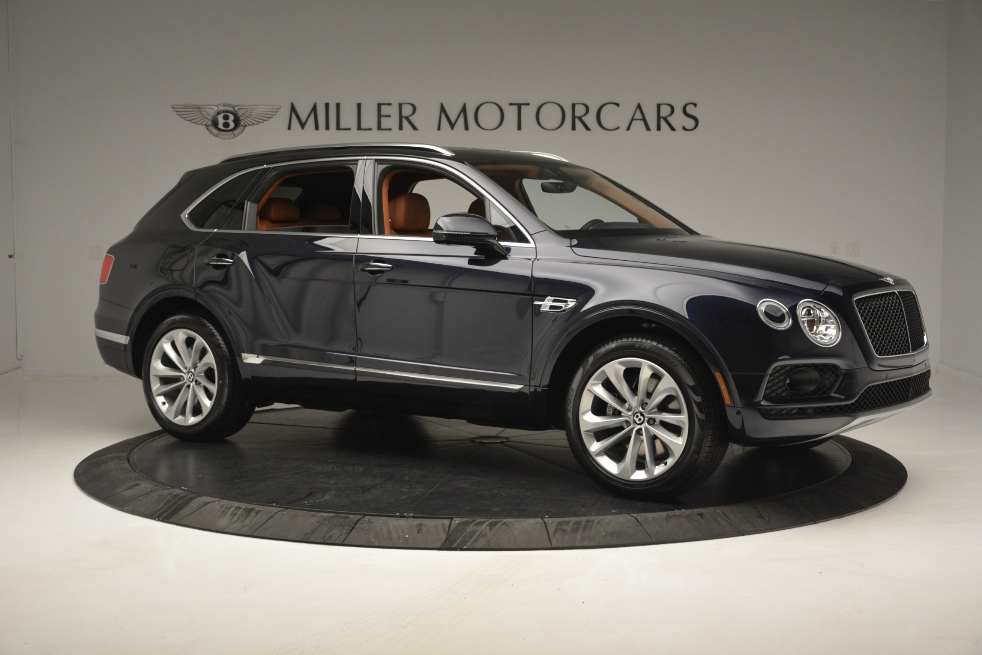New 2019 Bentley Bentayga V8 For Sale In Greenwich, CT 2548_p10