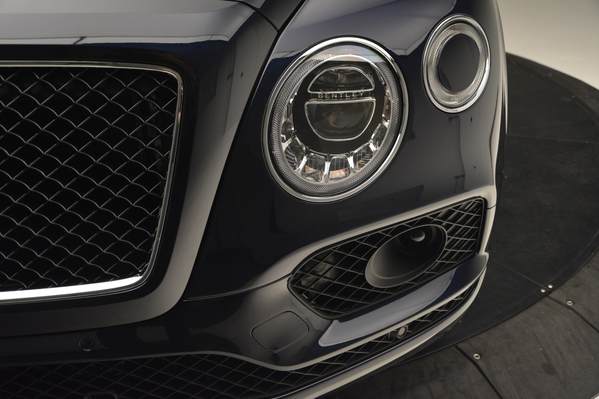 New 2019 Bentley Bentayga V8 For Sale In Greenwich, CT 2548_p14