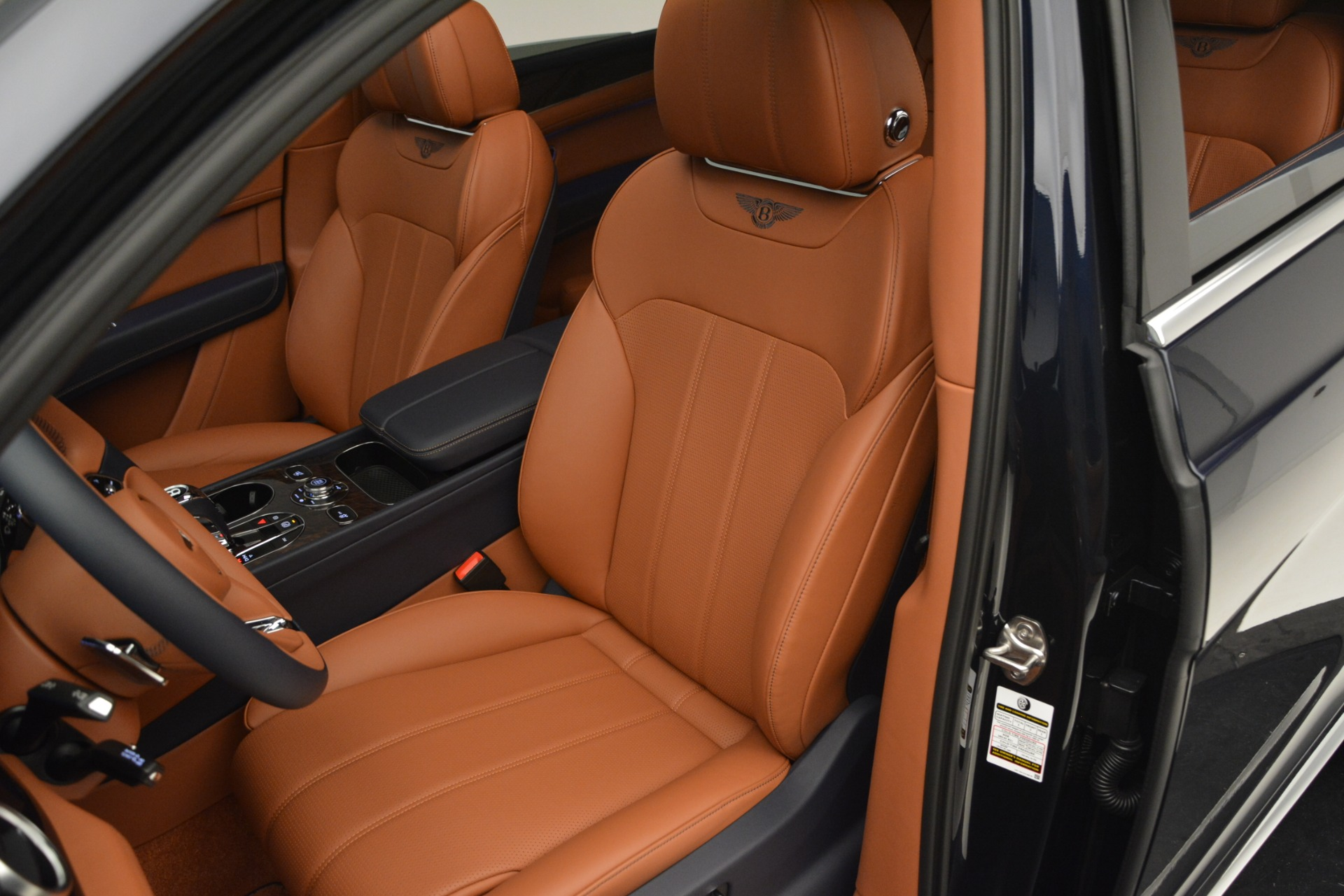 New 2019 Bentley Bentayga V8 For Sale In Greenwich, CT 2548_p19