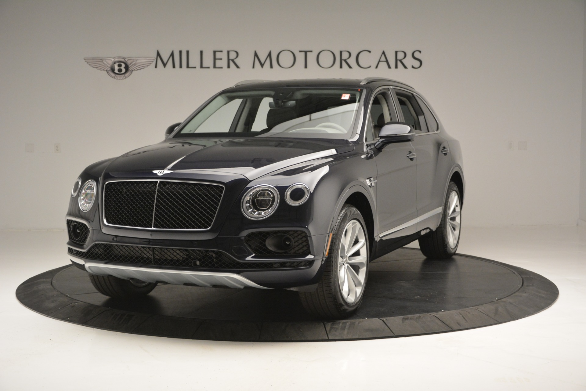 New 2019 Bentley Bentayga V8 For Sale In Greenwich, CT 2549_main