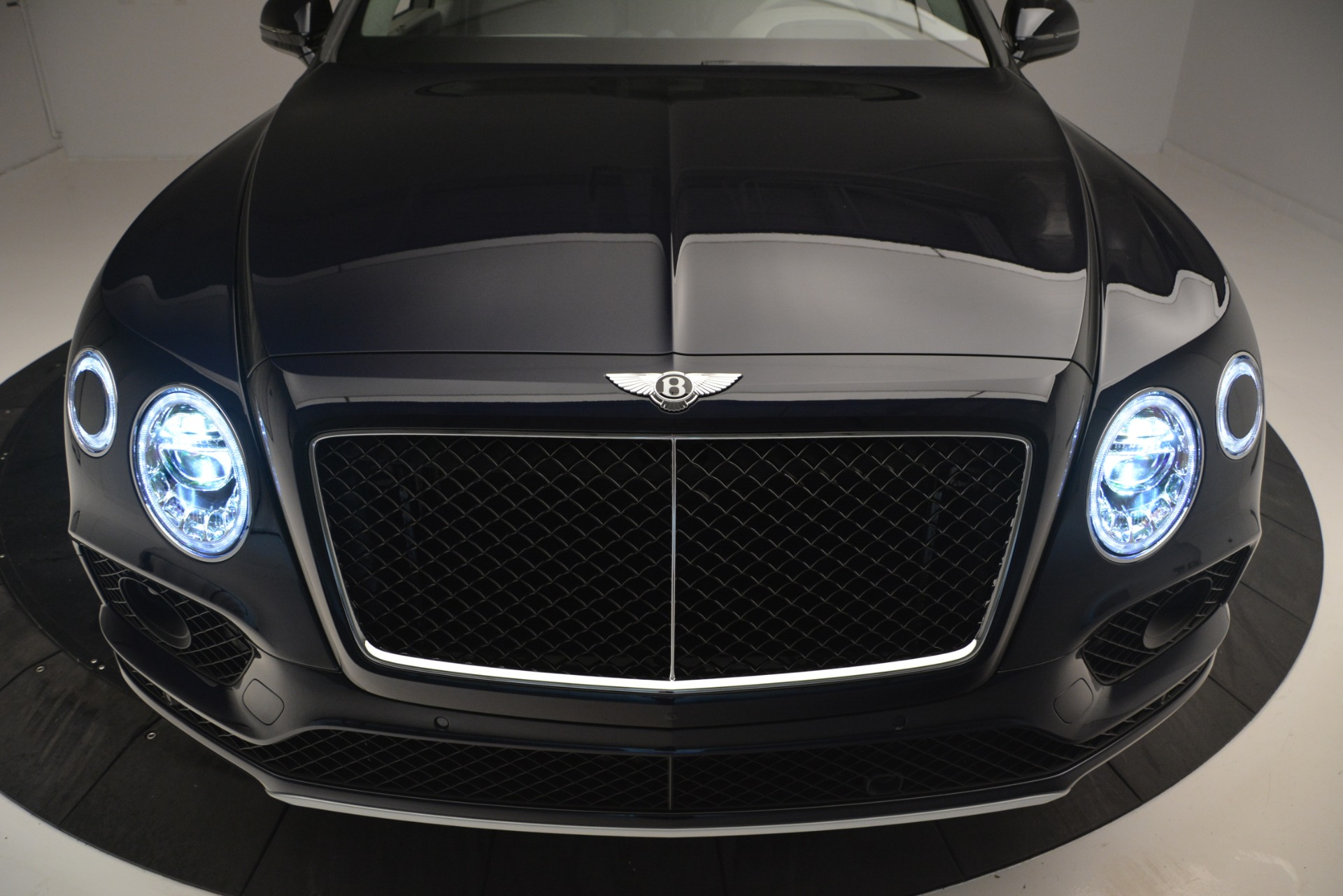 New 2019 Bentley Bentayga V8 For Sale In Greenwich, CT 2549_p13