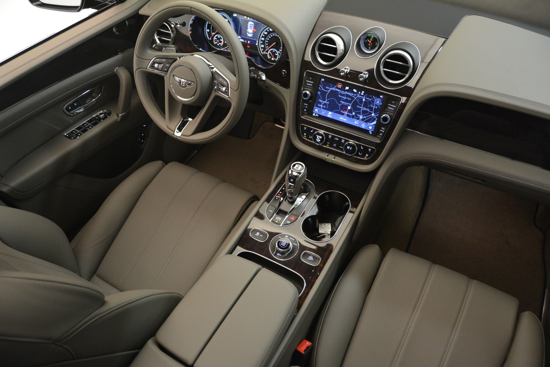 New 2019 Bentley Bentayga V8 For Sale In Greenwich, CT 2549_p28