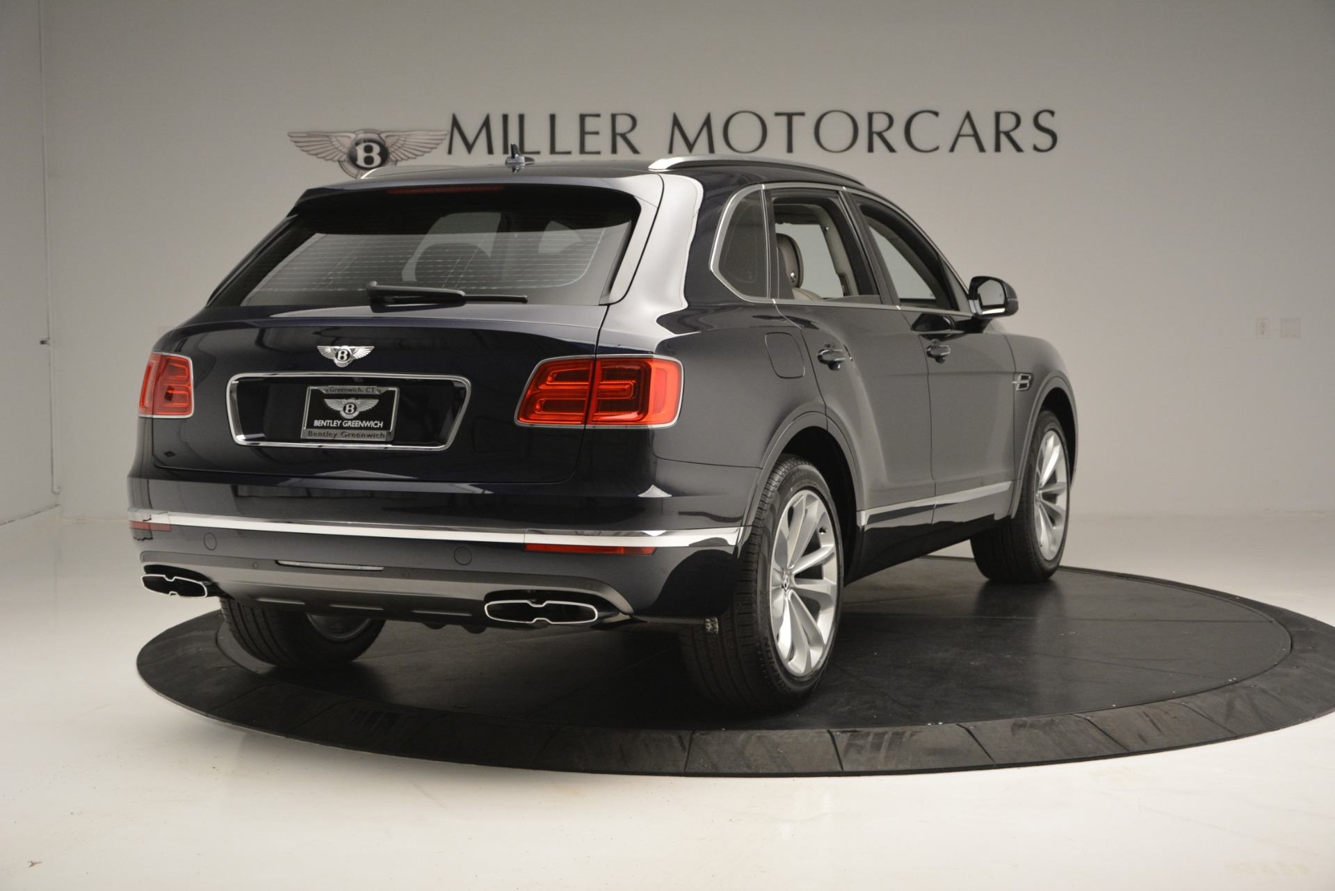 New 2019 Bentley Bentayga V8 For Sale In Greenwich, CT 2549_p7
