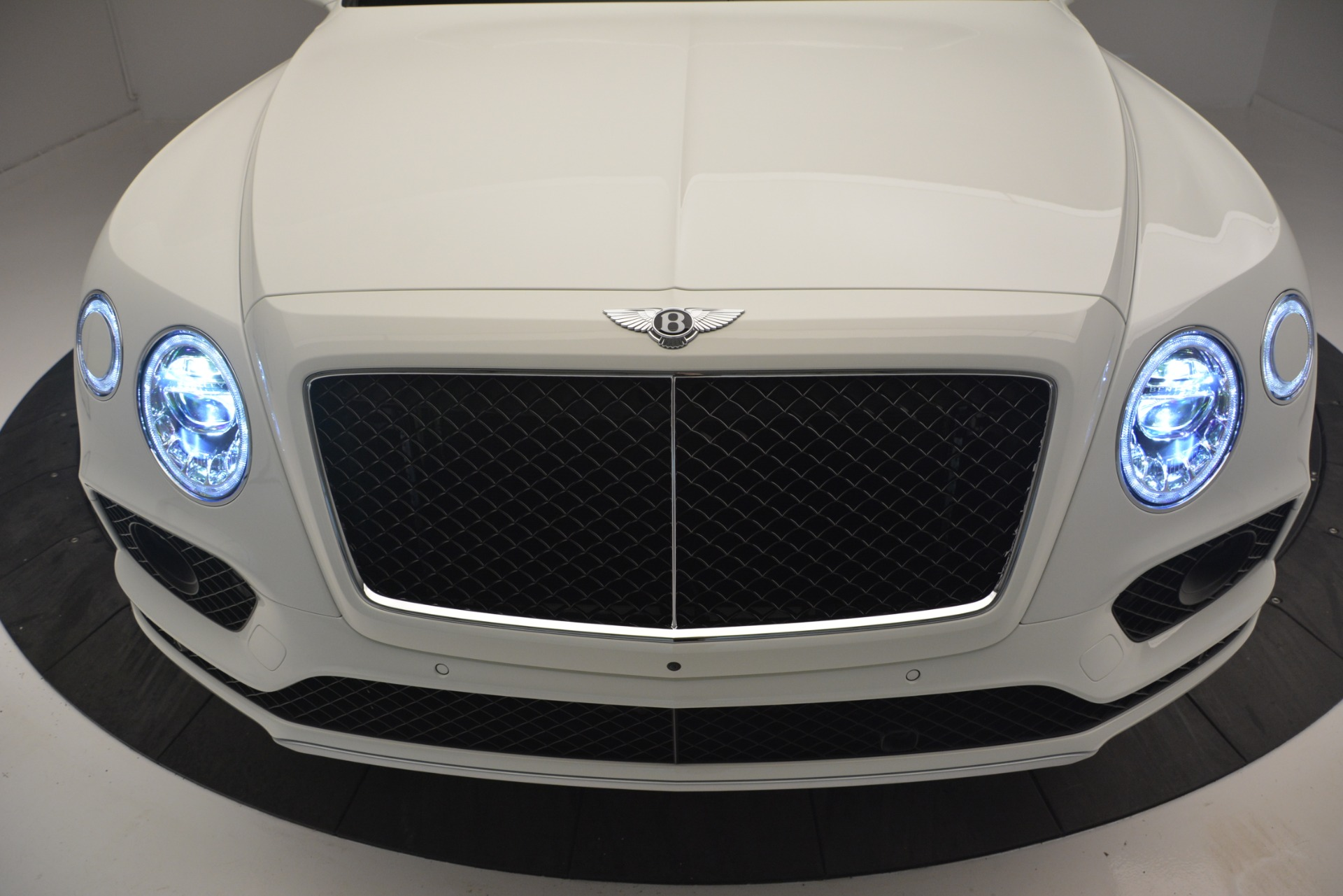 New 2019 Bentley Bentayga V8 For Sale In Greenwich, CT 2550_p13