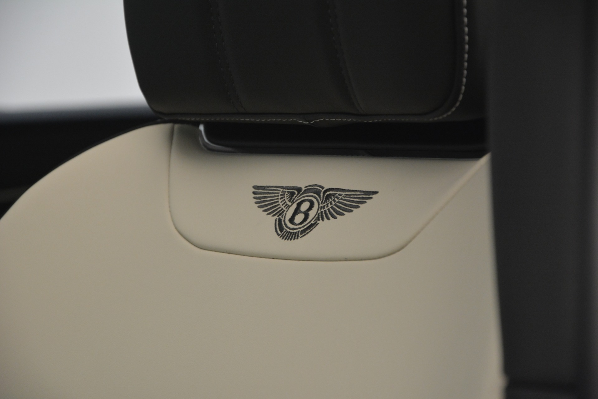 New 2019 Bentley Bentayga V8 For Sale In Greenwich, CT 2550_p21