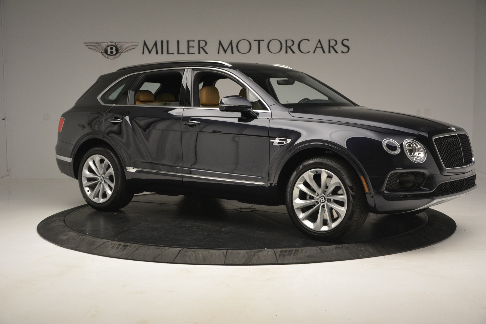 New 2019 Bentley Bentayga V8 For Sale In Greenwich, CT 2551_p10