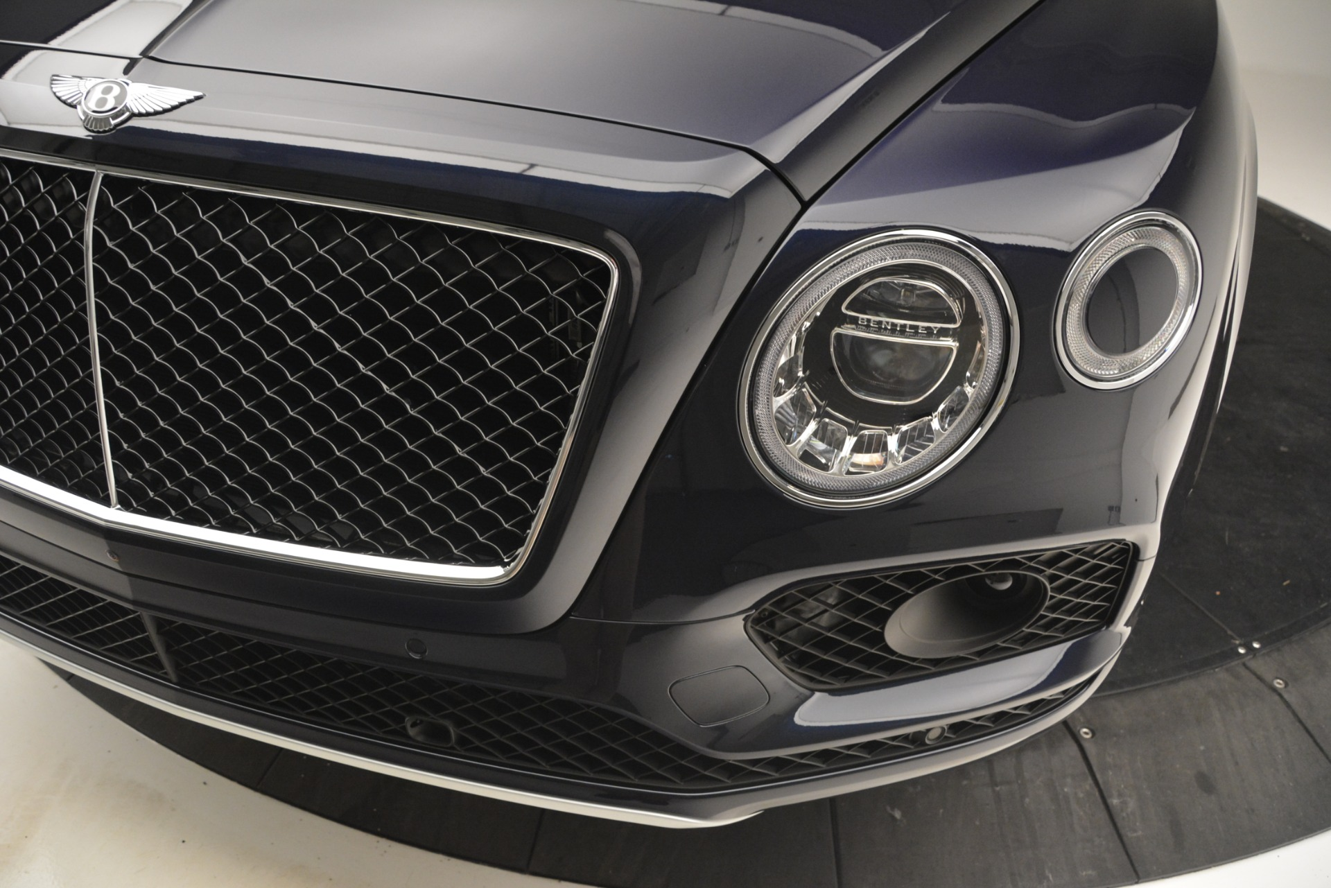 New 2019 Bentley Bentayga V8 For Sale In Greenwich, CT 2551_p14