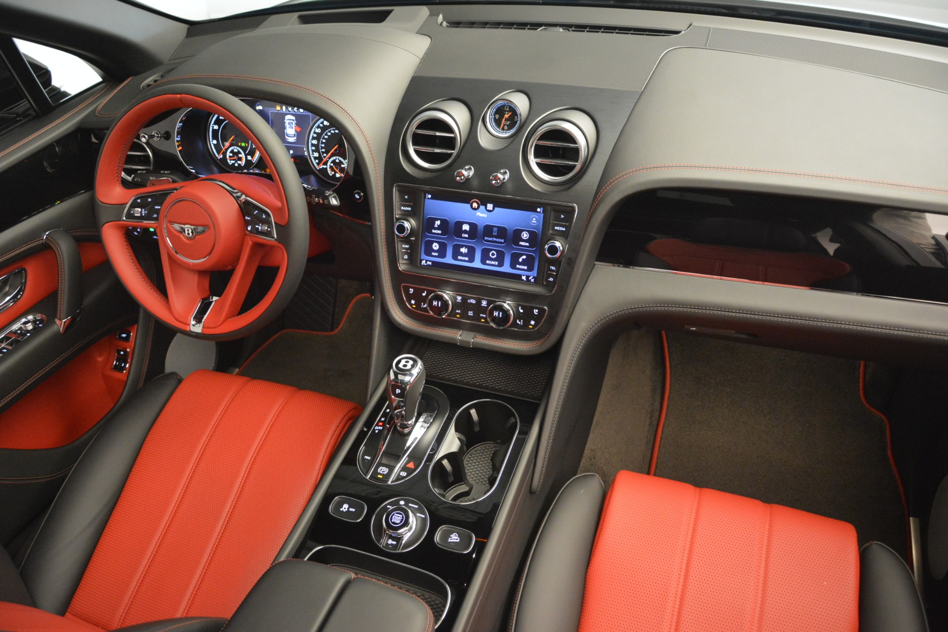 New 2019 Bentley Bentayga V8 For Sale In Greenwich, CT 2552_p31