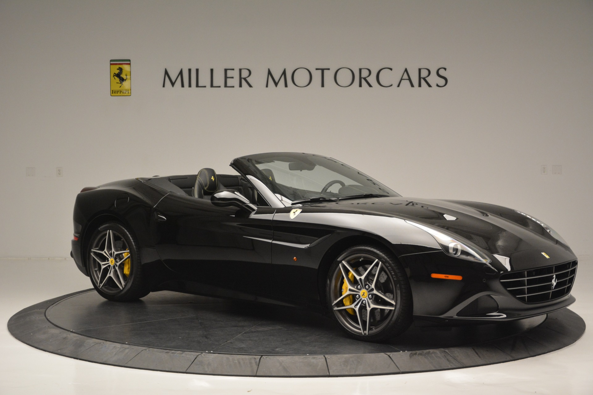 Used 2017 Ferrari California T Handling Speciale For Sale In Greenwich, CT 2554_p10