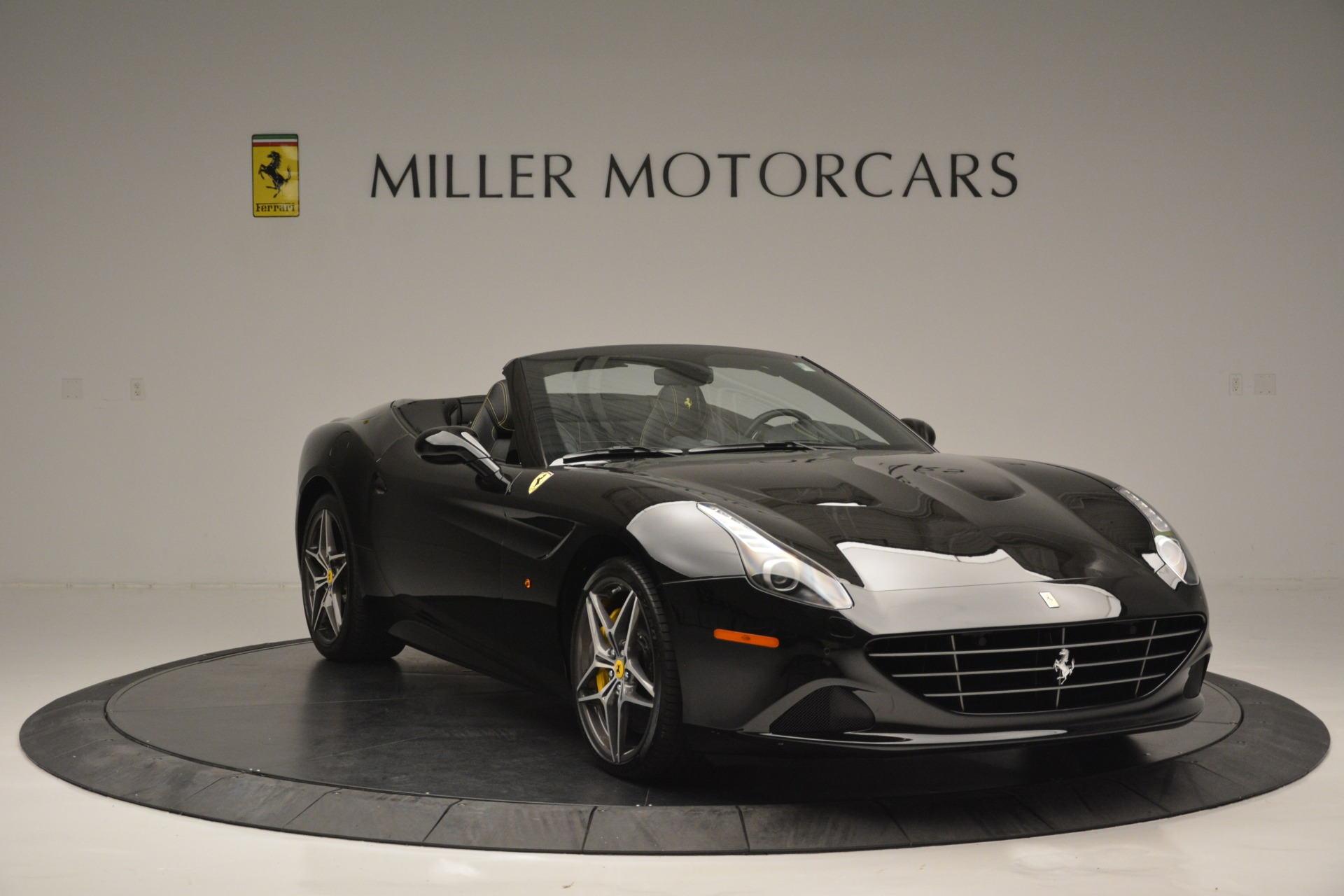 Used 2017 Ferrari California T Handling Speciale For Sale In Greenwich, CT 2554_p11