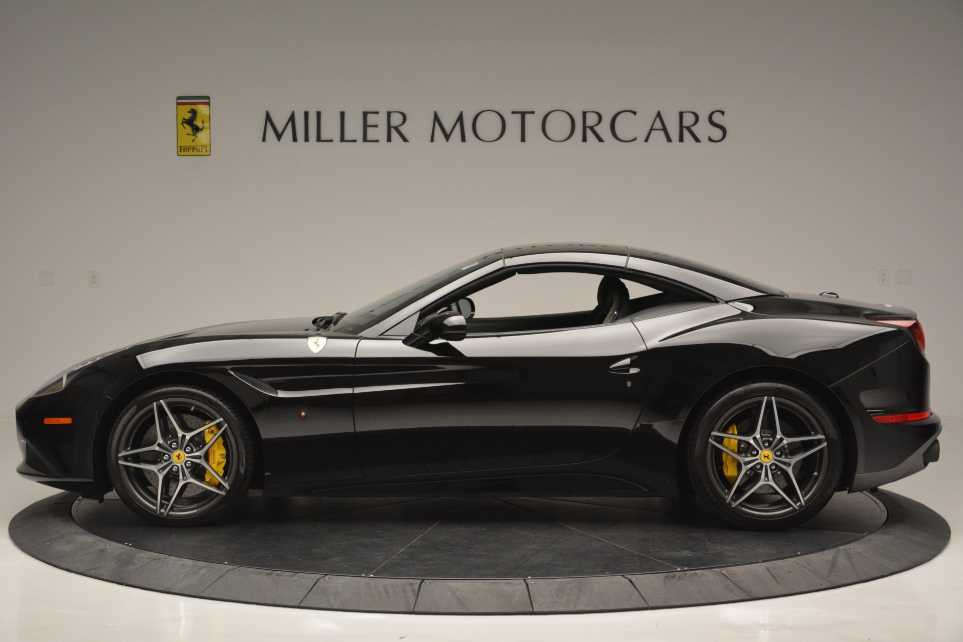 Used 2017 Ferrari California T Handling Speciale For Sale In Greenwich, CT 2554_p15