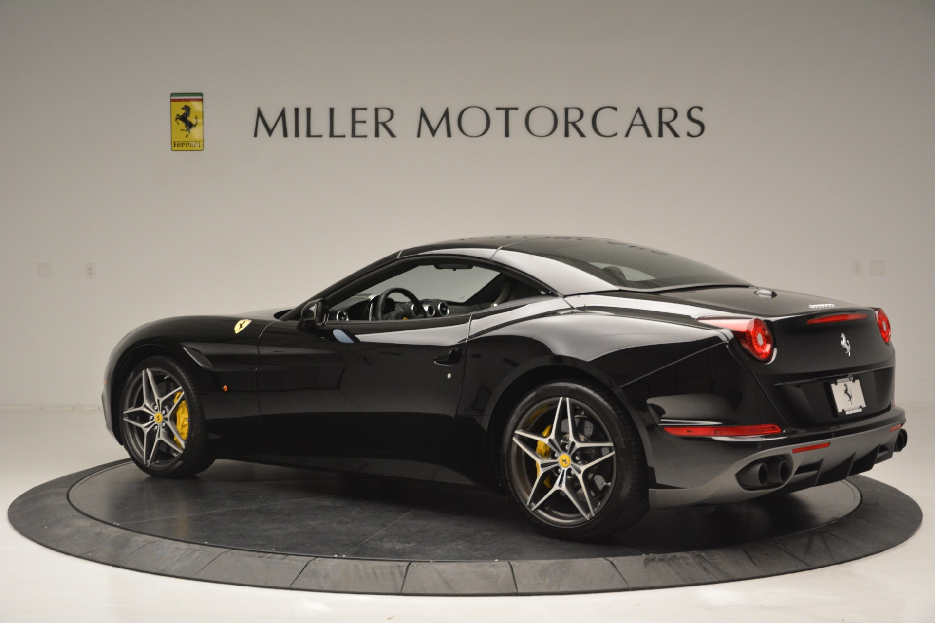 Used 2017 Ferrari California T Handling Speciale For Sale In Greenwich, CT 2554_p16