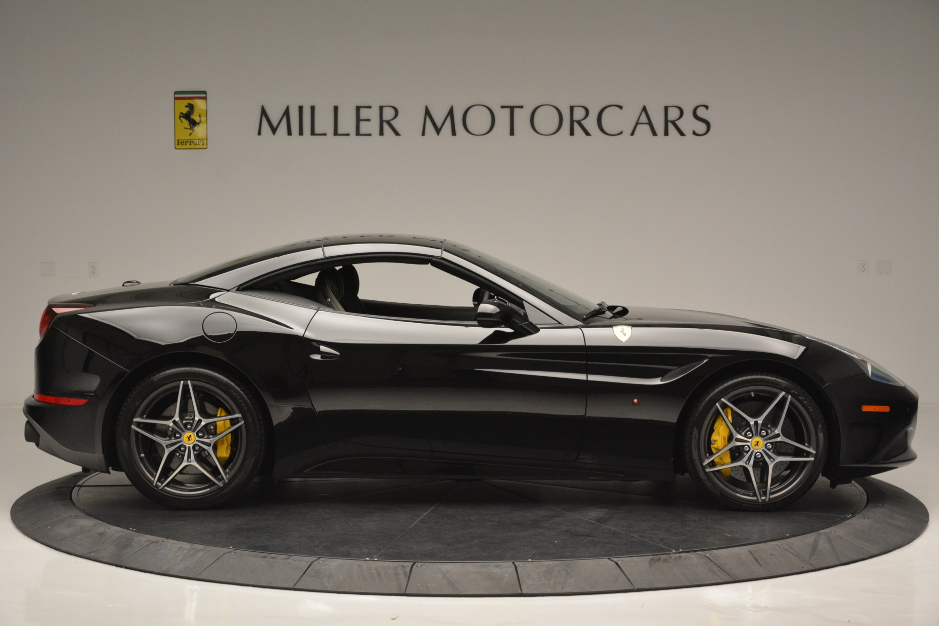 Used 2017 Ferrari California T Handling Speciale For Sale In Greenwich, CT 2554_p21