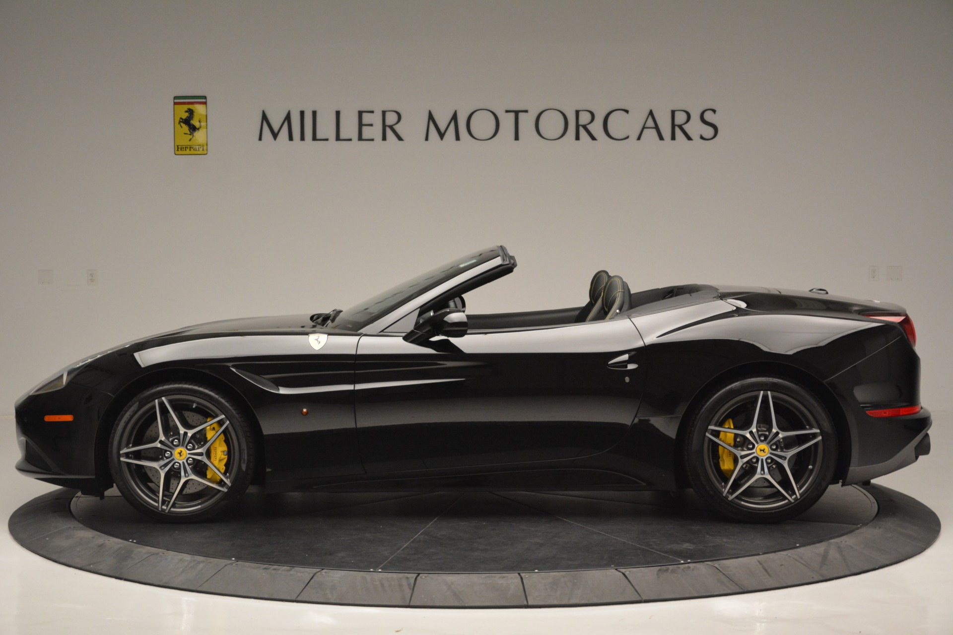 Used 2017 Ferrari California T Handling Speciale For Sale In Greenwich, CT 2554_p3