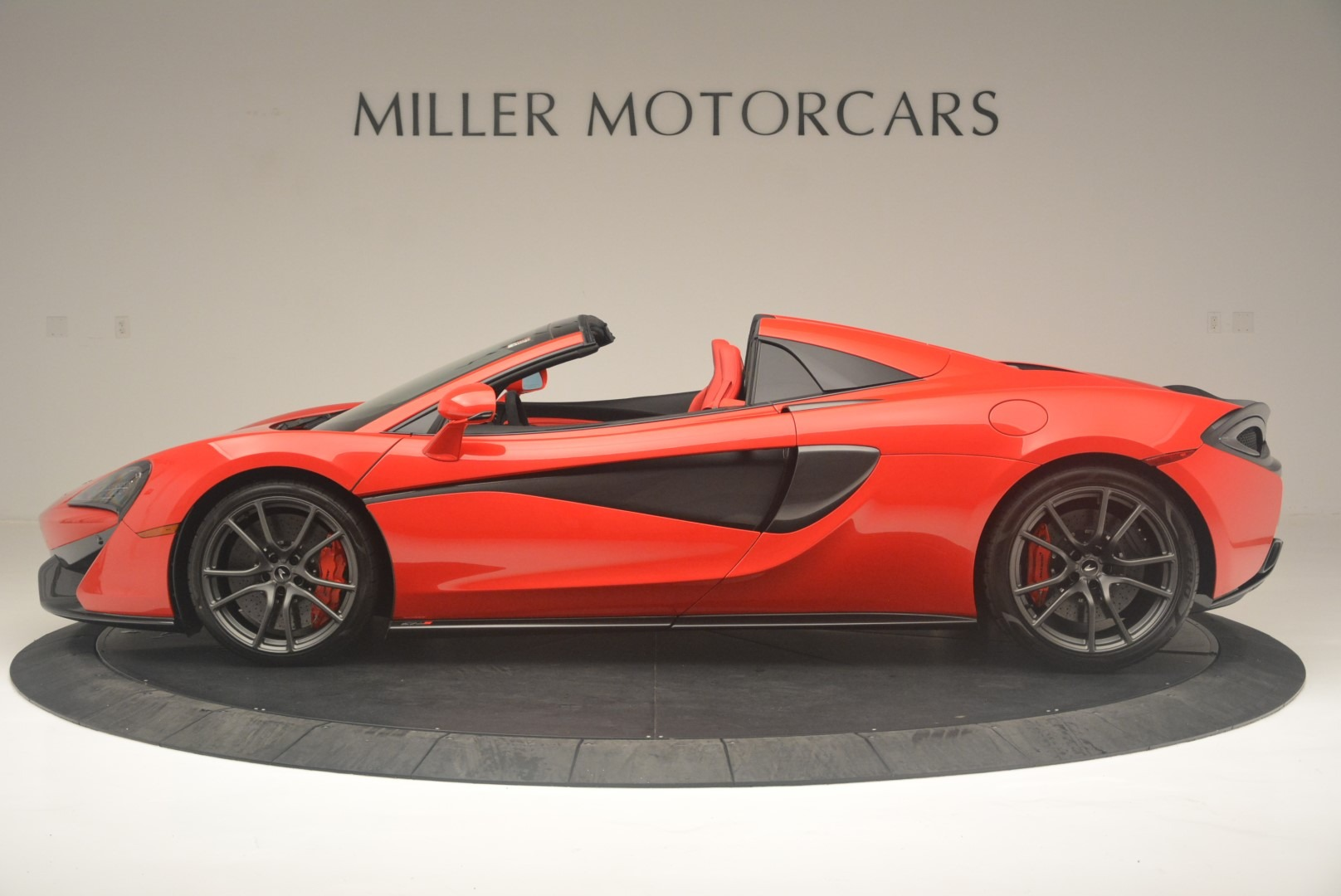 New 2019 McLaren 570S Spider Convertible For Sale In Greenwich, CT 2564_p3