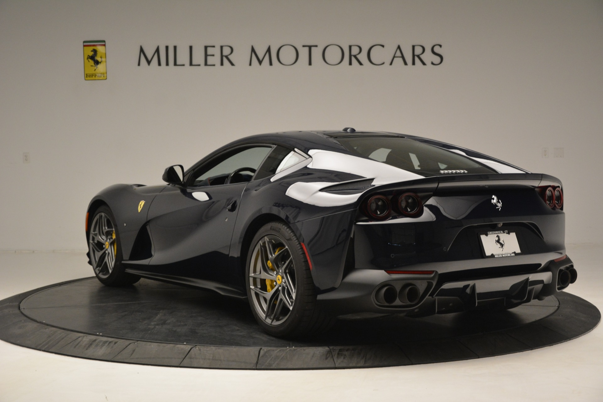 Used 2018 Ferrari 812 Superfast  For Sale In Greenwich, CT 2569_p5