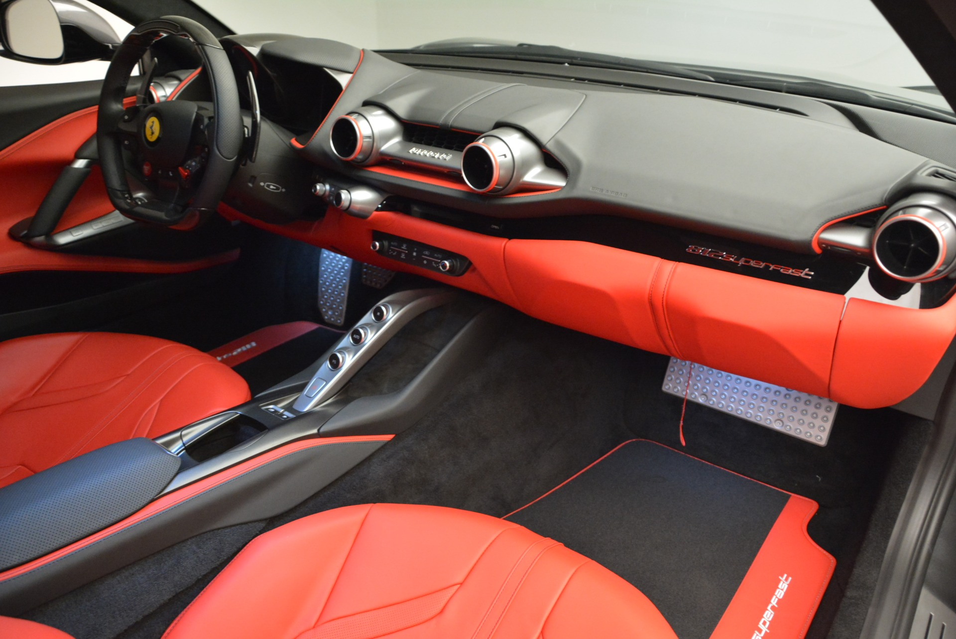 Used 2018 Ferrari 812 Superfast  For Sale In Greenwich, CT 2573_p17