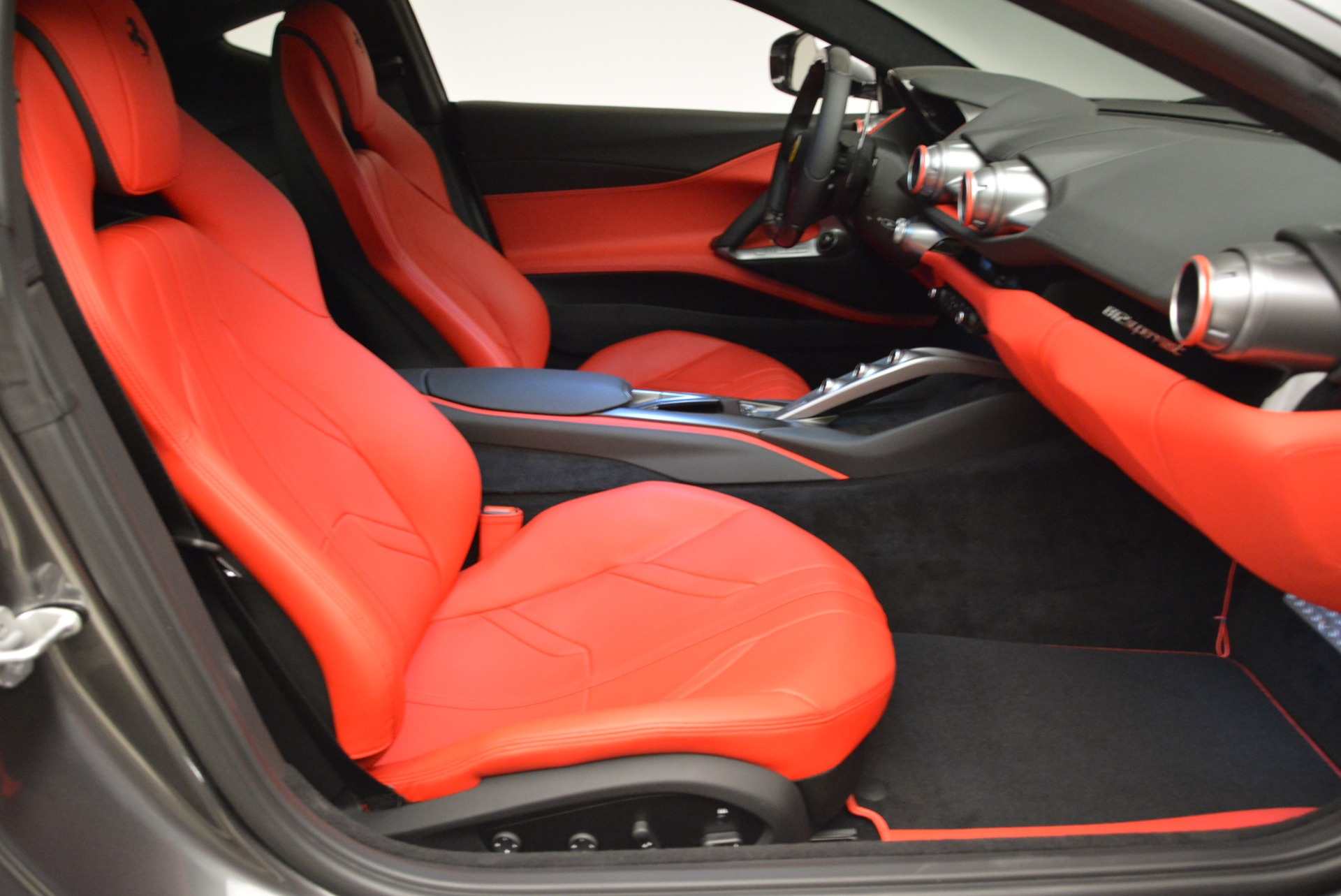 Used 2018 Ferrari 812 Superfast  For Sale In Greenwich, CT 2573_p18