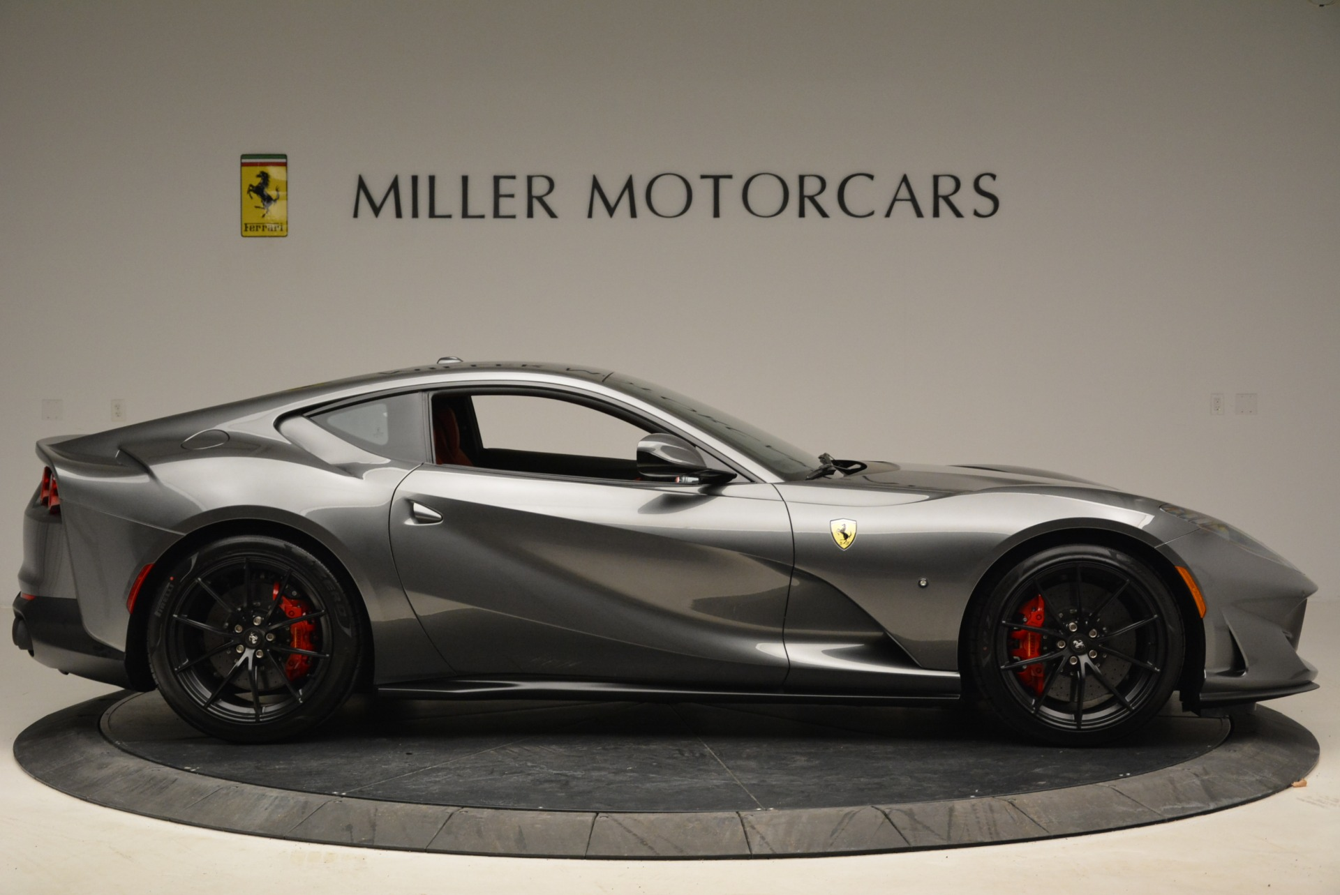 Used 2018 Ferrari 812 Superfast  For Sale In Greenwich, CT 2573_p9