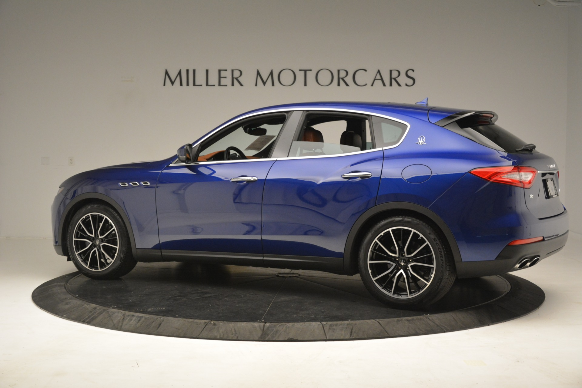 Used 2018 Maserati Levante Q4 For Sale In Greenwich, CT 2575_p4