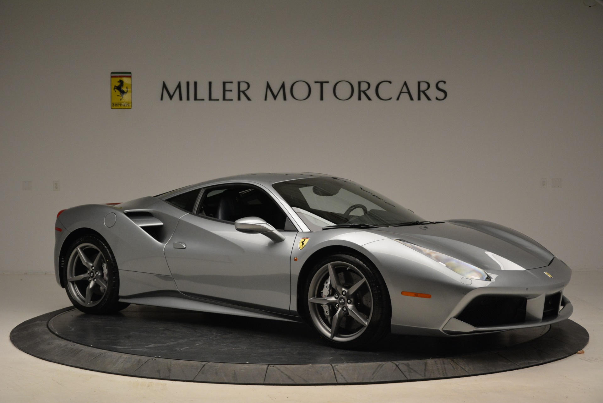 Used 2018 Ferrari 488 GTB  For Sale In Greenwich, CT 2586_p10