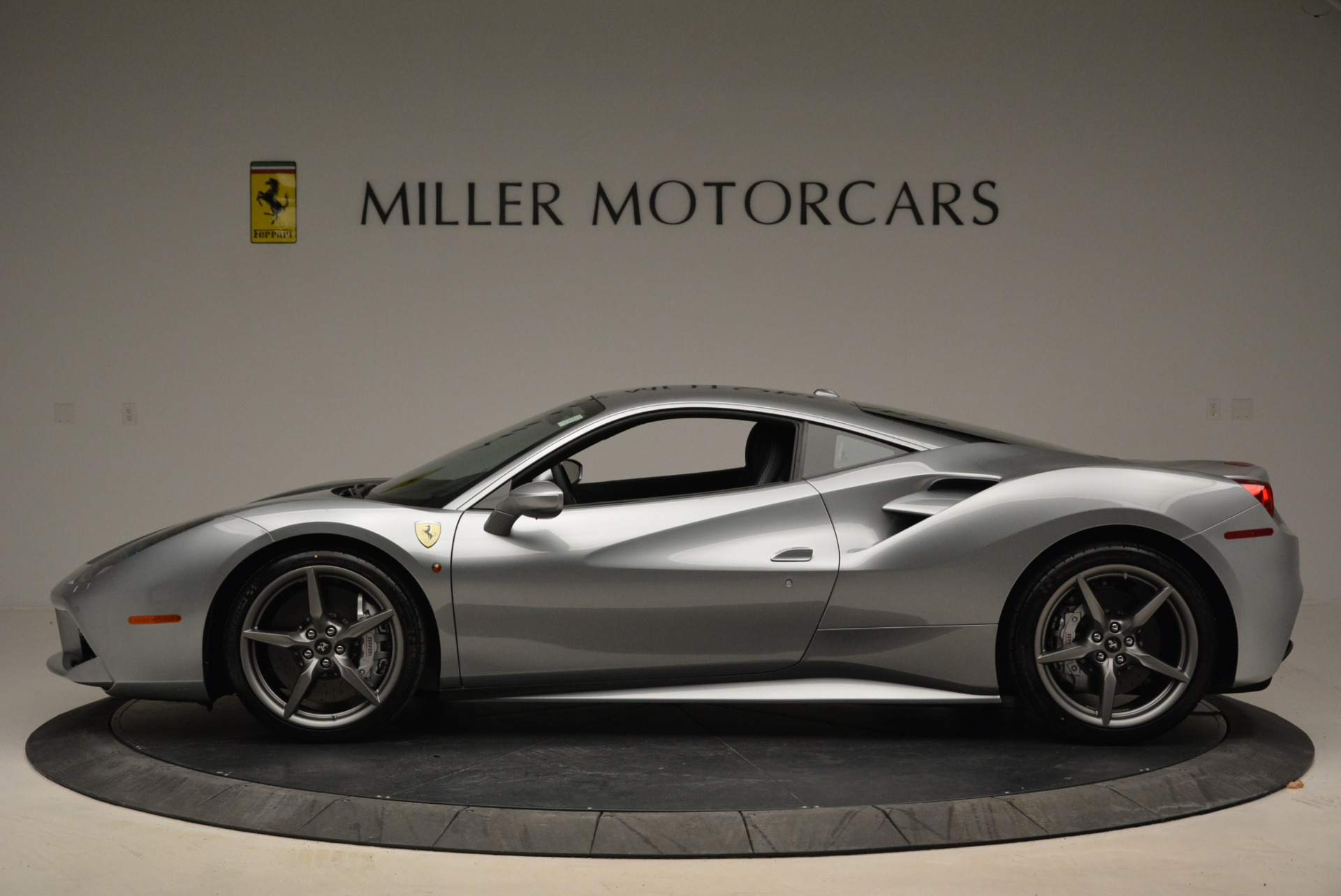 Used 2018 Ferrari 488 GTB  For Sale In Greenwich, CT 2586_p3