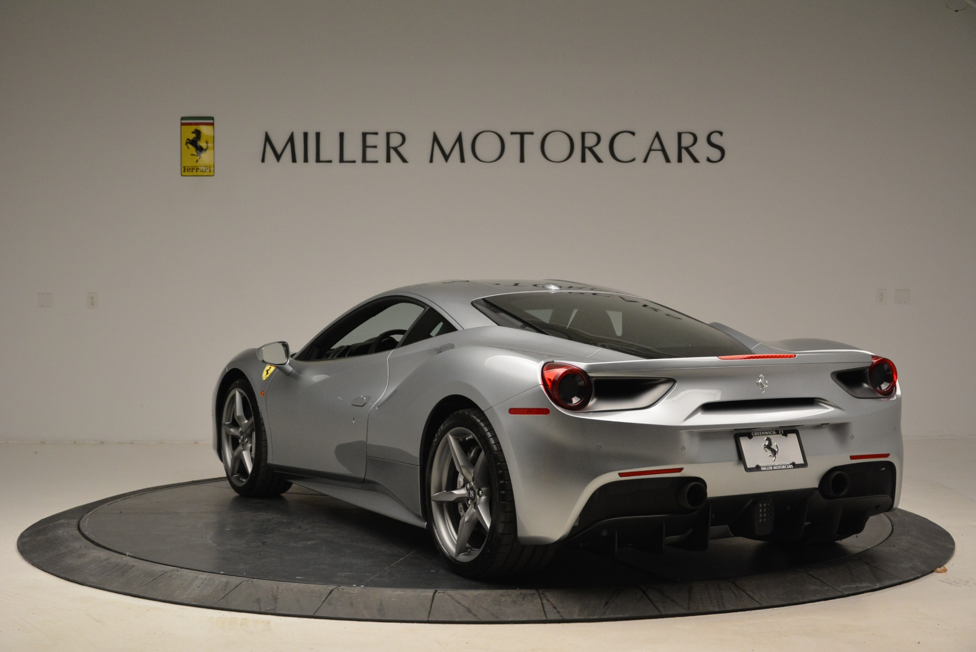 Used 2018 Ferrari 488 GTB  For Sale In Greenwich, CT 2586_p5