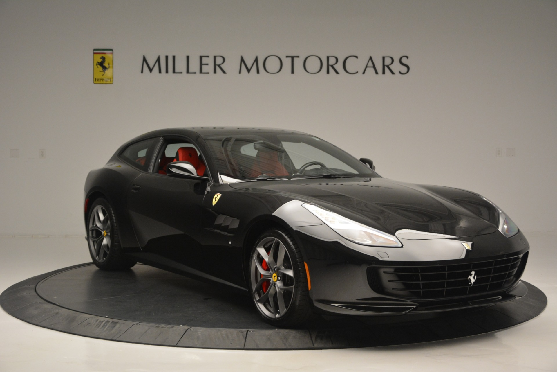 Used 2018 Ferrari GTC4Lusso T  For Sale In Greenwich, CT 2598_p11