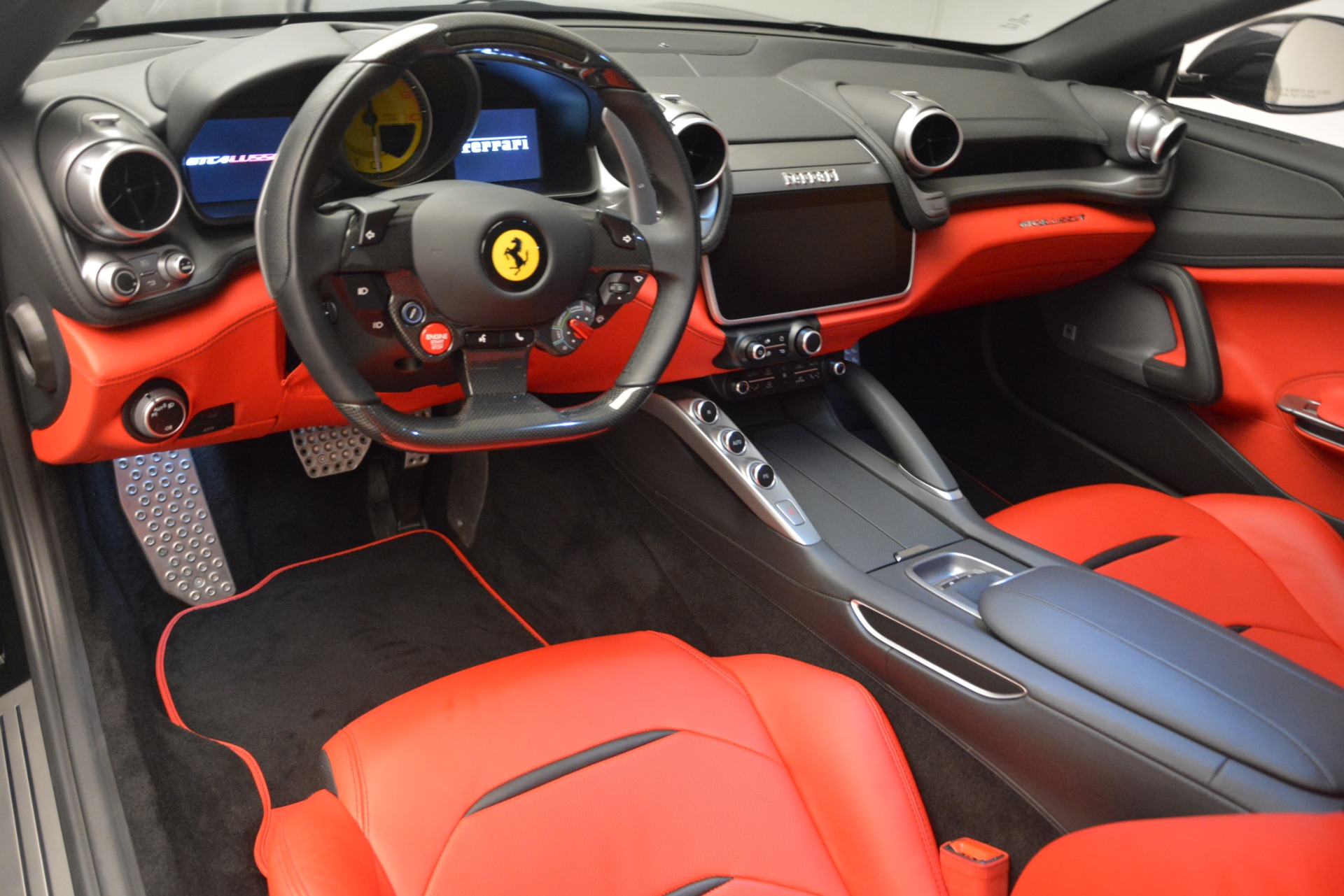Used 2018 Ferrari GTC4Lusso T  For Sale In Greenwich, CT 2598_p14