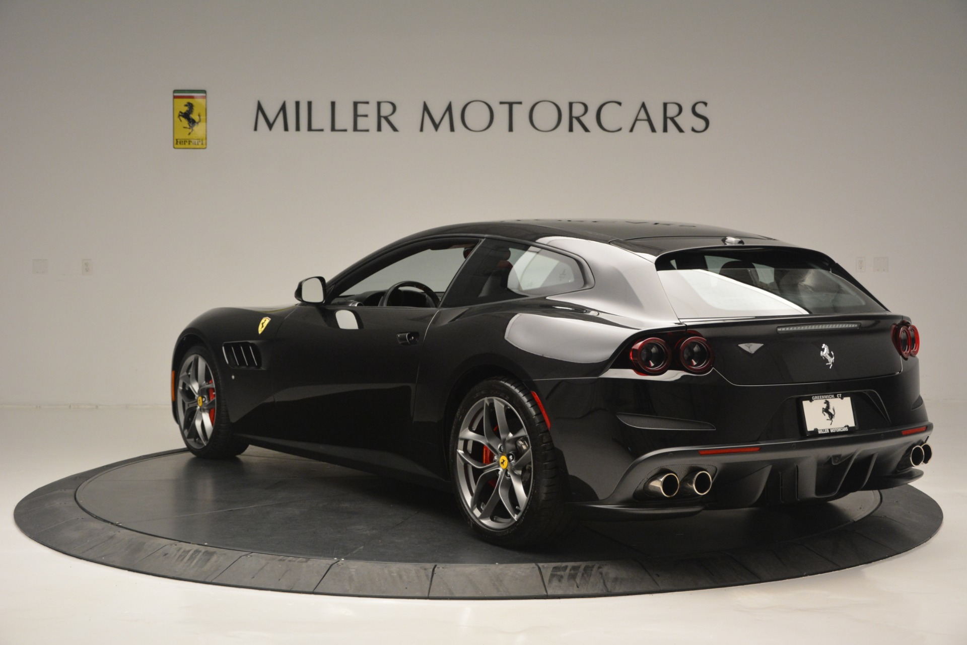 Used 2018 Ferrari GTC4Lusso T  For Sale In Greenwich, CT 2598_p5