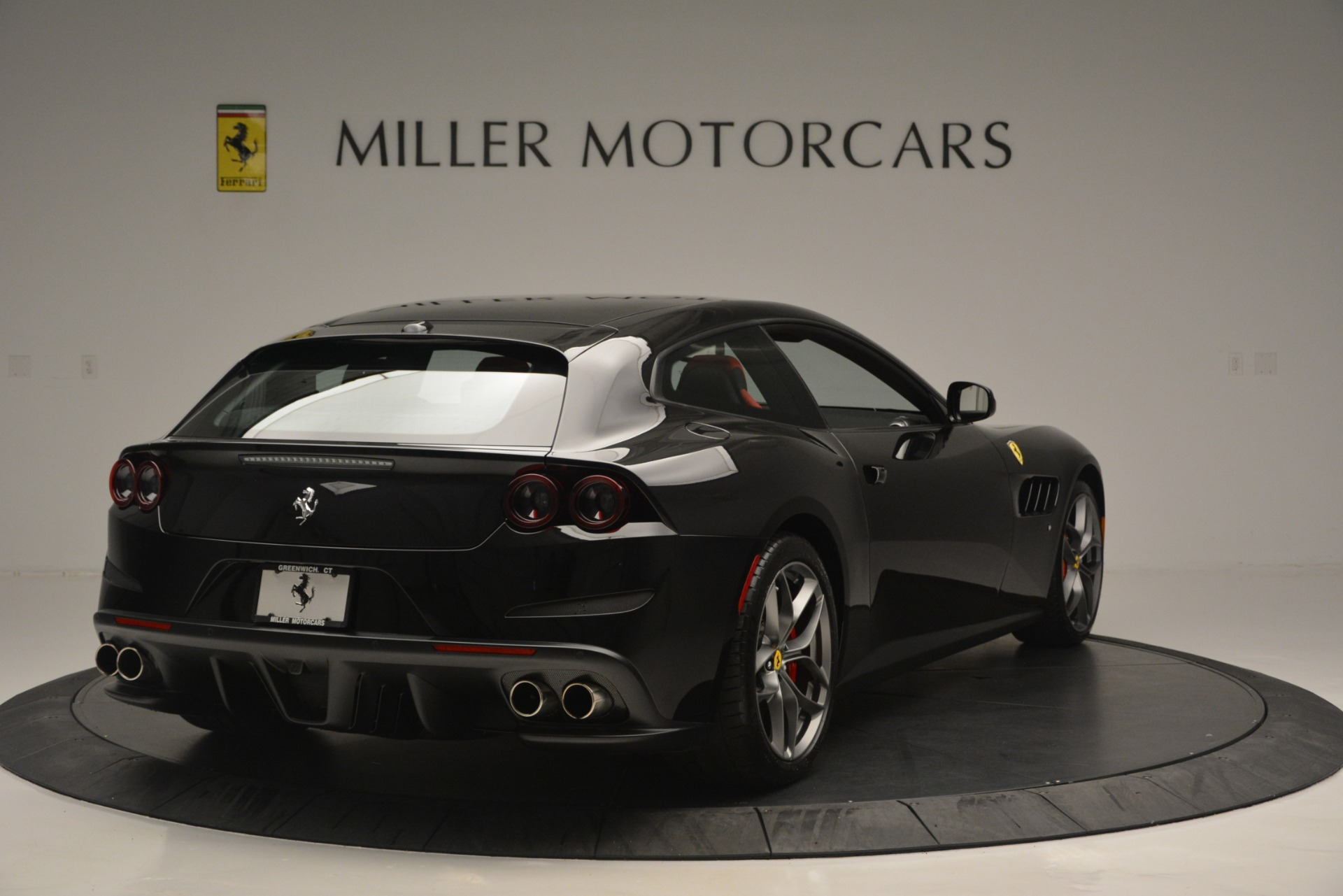 Used 2018 Ferrari GTC4Lusso T  For Sale In Greenwich, CT 2598_p7