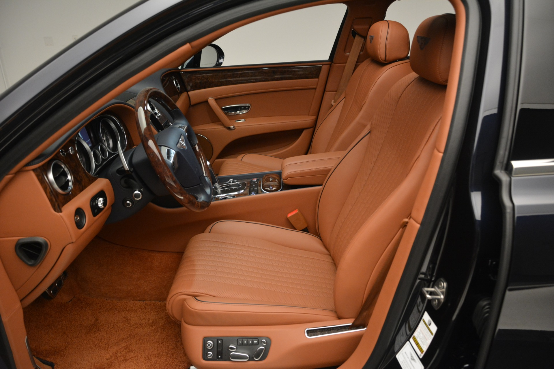 New 2018 Bentley Flying Spur V8 For Sale In Greenwich, CT 2601_p20