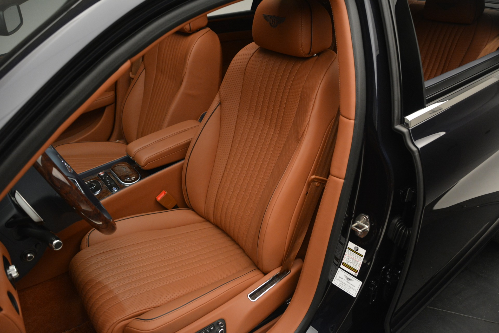 New 2018 Bentley Flying Spur V8 For Sale In Greenwich, CT 2601_p21