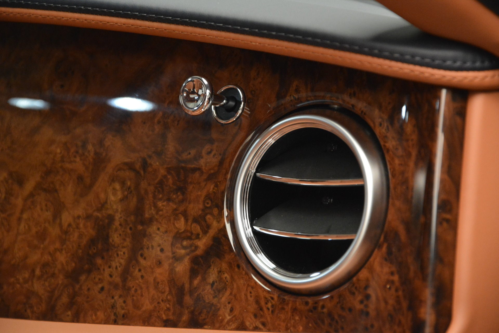 New 2018 Bentley Flying Spur V8 For Sale In Greenwich, CT 2601_p27