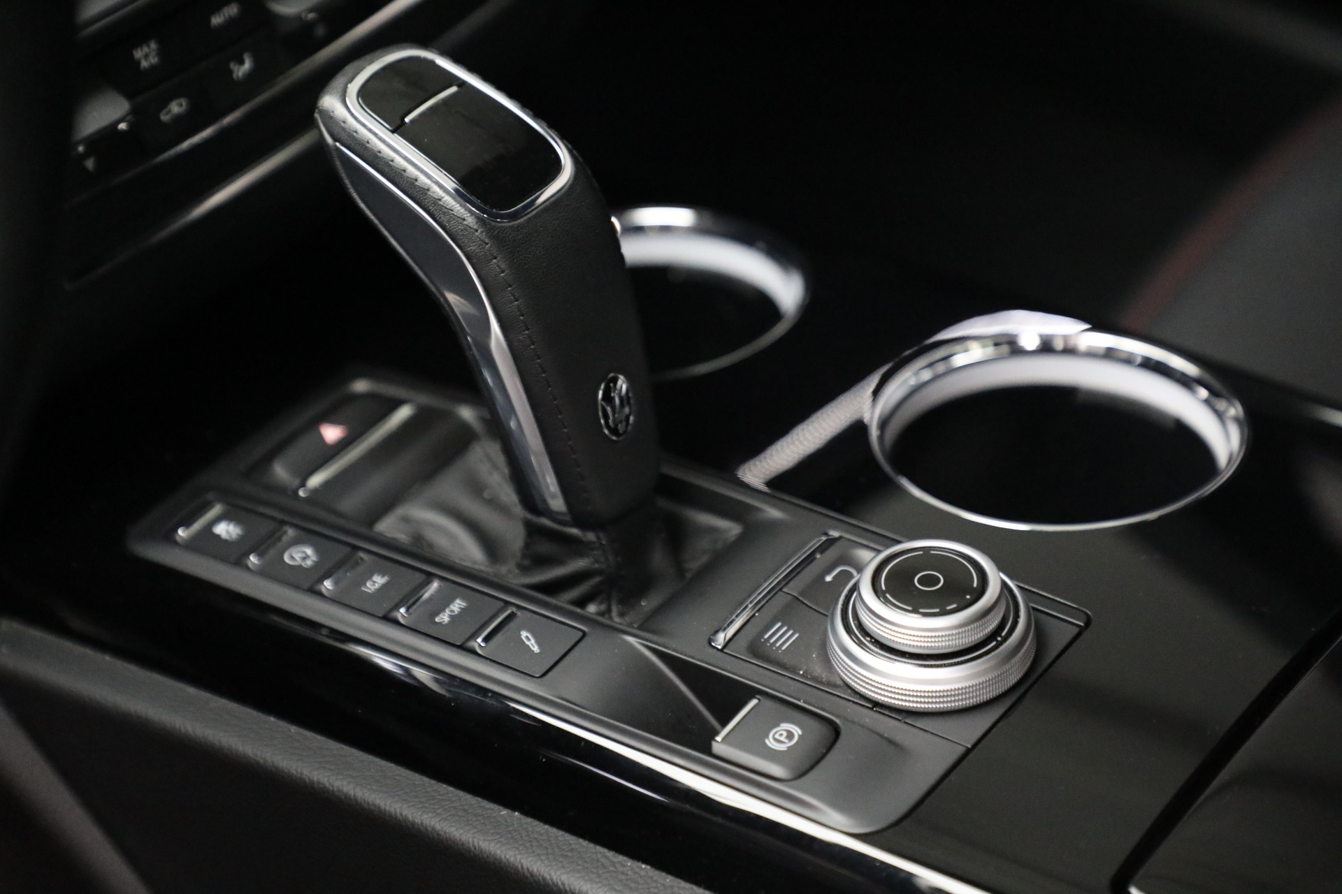 New 2019 Maserati Quattroporte S Q4 GranLusso For Sale In Greenwich, CT 2619_p18
