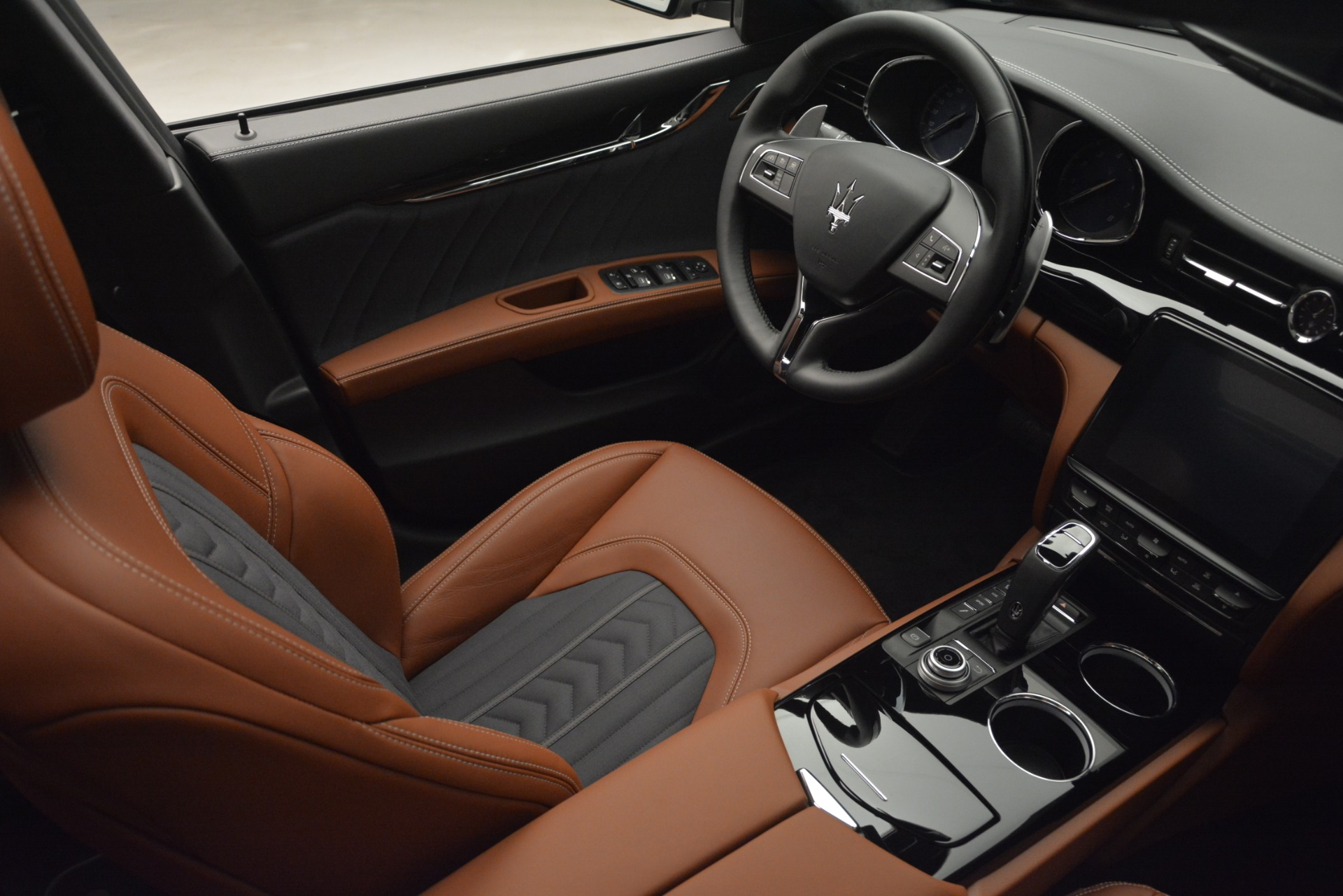 New 2019 Maserati Quattroporte S Q4 GranLusso For Sale In Greenwich, CT 2620_p19