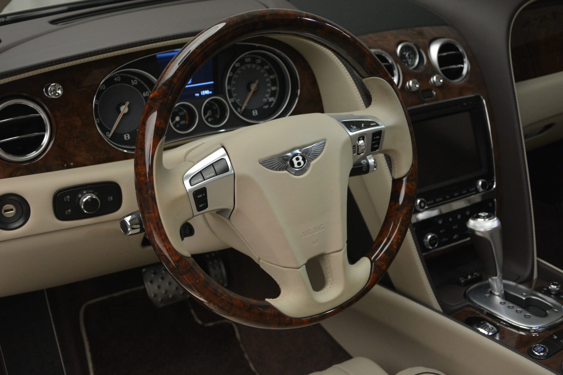 Used 2014 Bentley Flying Spur W12 For Sale In Greenwich, CT 2624_p21
