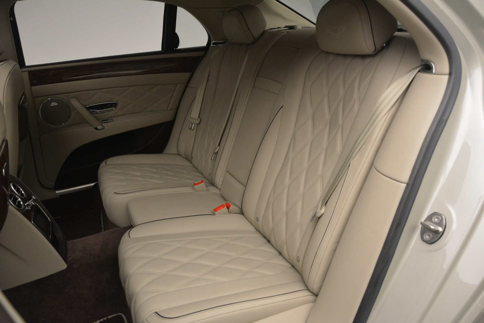 Used 2014 Bentley Flying Spur W12 For Sale In Greenwich, CT 2624_p25
