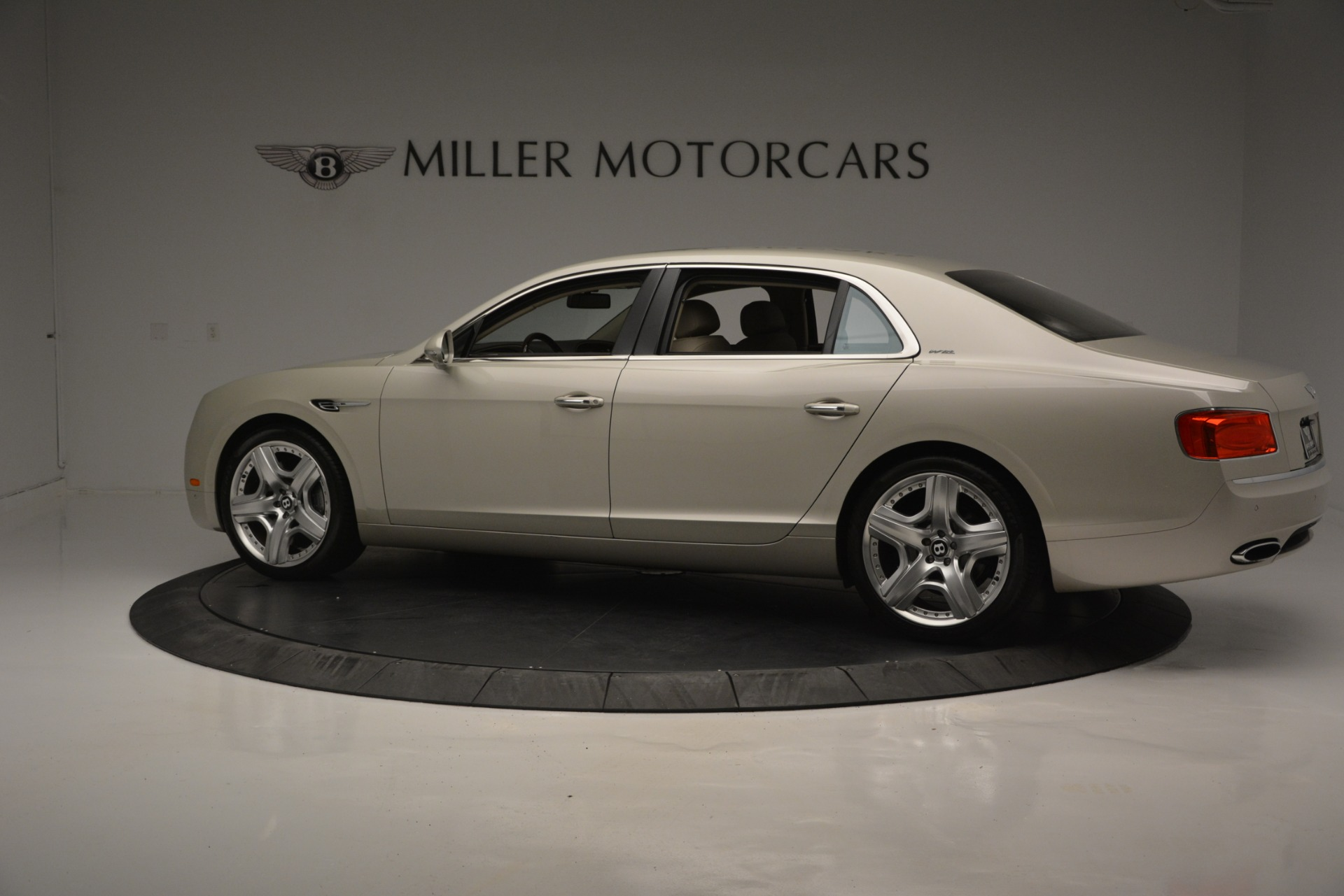 Used 2014 Bentley Flying Spur W12 For Sale In Greenwich, CT 2624_p4