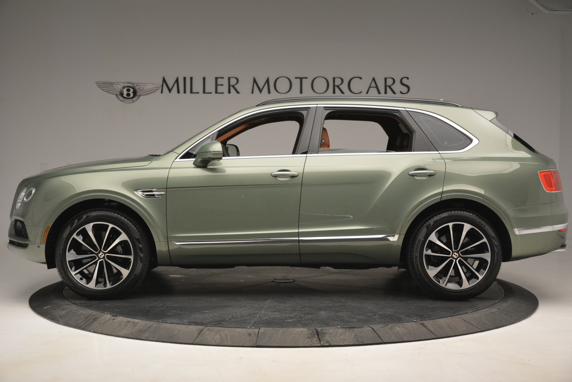 New 2019 Bentley Bentayga V8 For Sale In Greenwich, CT 2644_p3