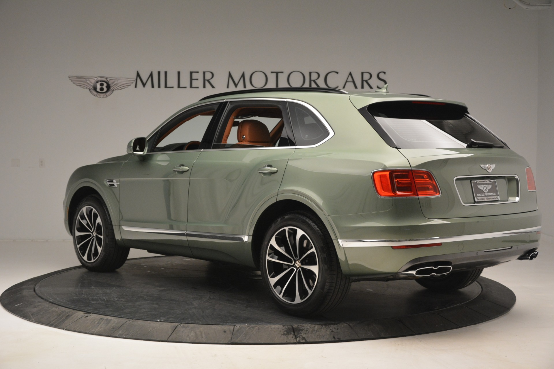 New 2019 Bentley Bentayga V8 For Sale In Greenwich, CT 2644_p4
