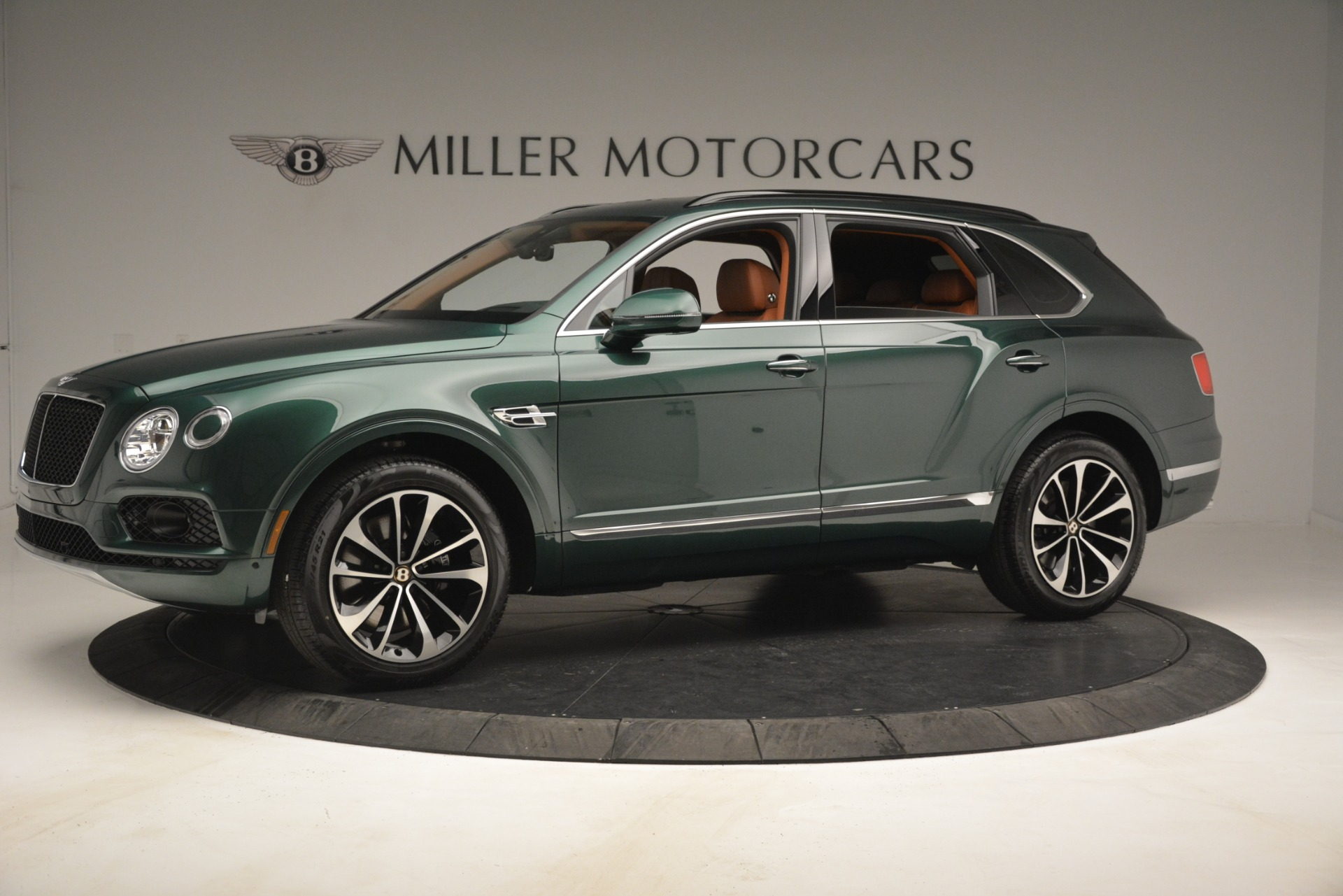 New 2019 Bentley Bentayga V8 For Sale In Greenwich, CT 2645_p2